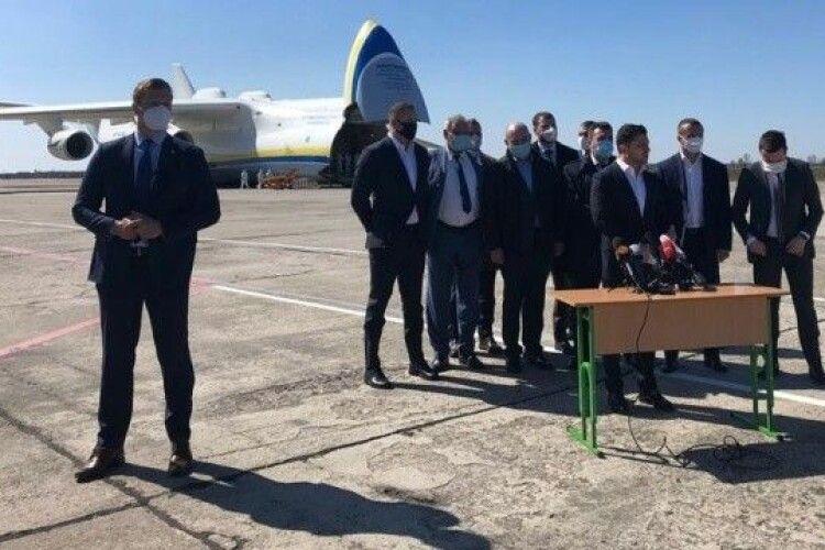 Найдовша пресконференція, найбільший вантаж: Зеленський знову заявив про рекорд