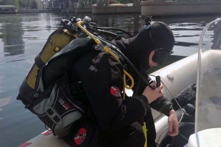 Рятувальники декілька годин шукали самогубця в річці