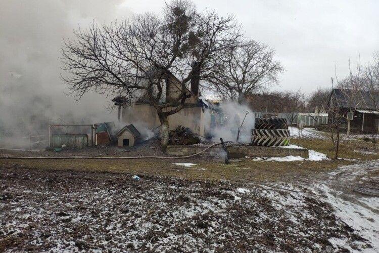 У Боголюбах з вогню врятували чоловіка (Фото)