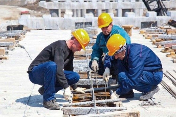 Чи враховується трудовий стаж заробітчан для отримання пенсії в Україні?