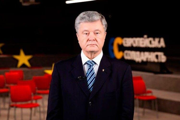 Порошенко розповів «Le Figaro», які санкції зупинять Росію