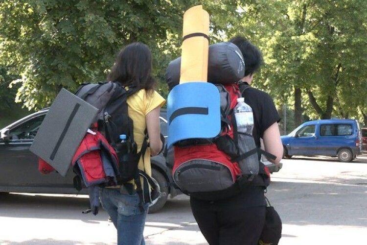Письменниця з Рівного йде пішки до Одеси (Фото)