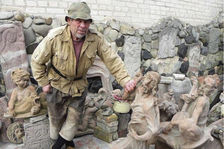 Для вандалів, які викинули роботи скульптора Голованя уСтир, придумали покарання (Відео)