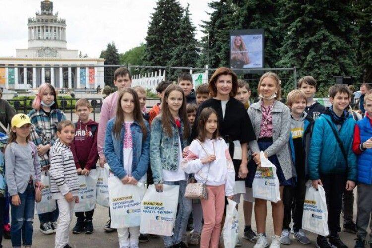 Марина Порошенко запросила дітей українських захисників до Музею науки