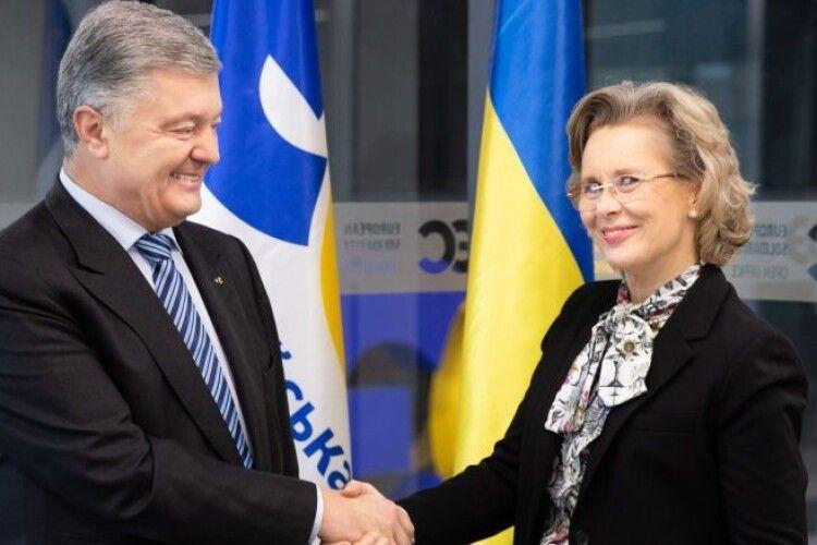 Порошенко у розмові з главою ПА ОБСЄ наголосив на необхідності звільнення наших громадян із в'язниць Кремля