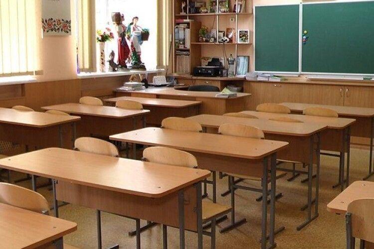 Міський голова Володимира розповів, чому школи йдуть на дочасні канікули