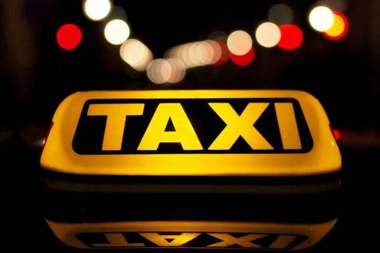 У «Слузі народу» хочуть обкласти податками водіїв таксі