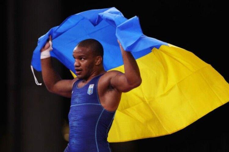 Перше золото України: Беленюк виграв у фінальній сутичці на Олімпіаді (Відео нагородження)
