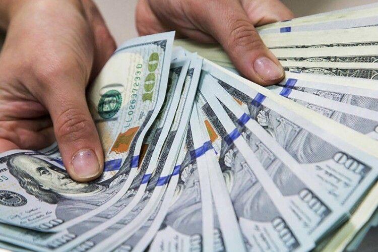 По 10 тисяч доларів: розказали про премії слідчим та прокурорам у «справах Порошенка»