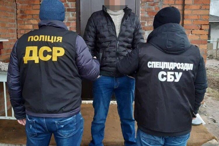 На Хмельниччині затримали кримінального «авторитета» (Фото)
