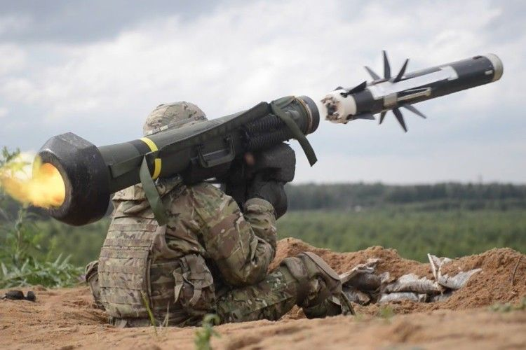 США нададуть Україні протитанкові ракетні комплекси «Джевелін»