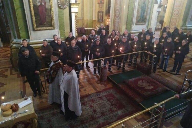У Луцьку помолились за спочилих афганців