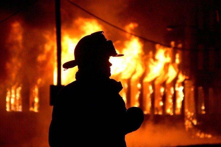 Хату врятовано: любомльські рятувальники за 9 хвилин приборкали «червоного півня»
