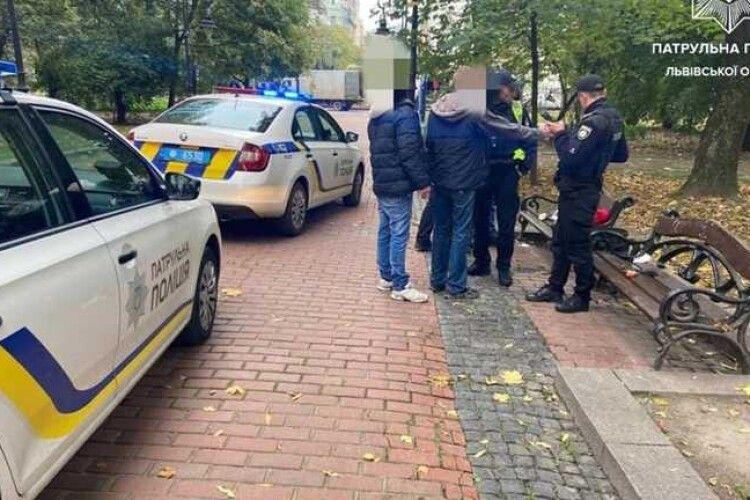 Стрілянина серед білого дня: чоловік дістав пістолет посеред парку