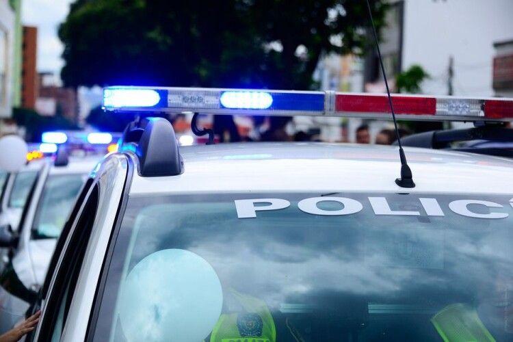 «Дерево потрапило у салон»: 19-річний хлопець загинув у страшній аварії, ще двох рятують (Фото)
