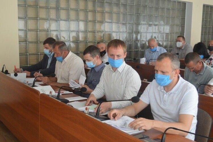 Ковельські депутати понад 700 тисяч гривень спрямували на шкільні їдальні