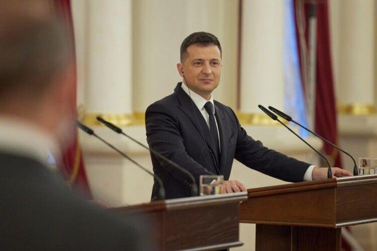 Зеленський запросив Байдена в Київ дописом уTwitter