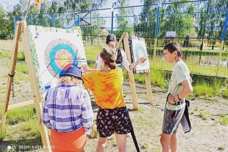 У Луцьку вперше відбулися змагання клубу стрільби з лука «Луцькі Соколи»