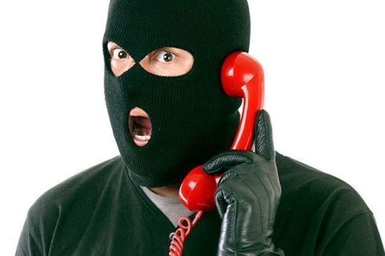 На Волині це діє: «Алло, я працівник банку, терміново вкажіть пін-код вашої картки…»
