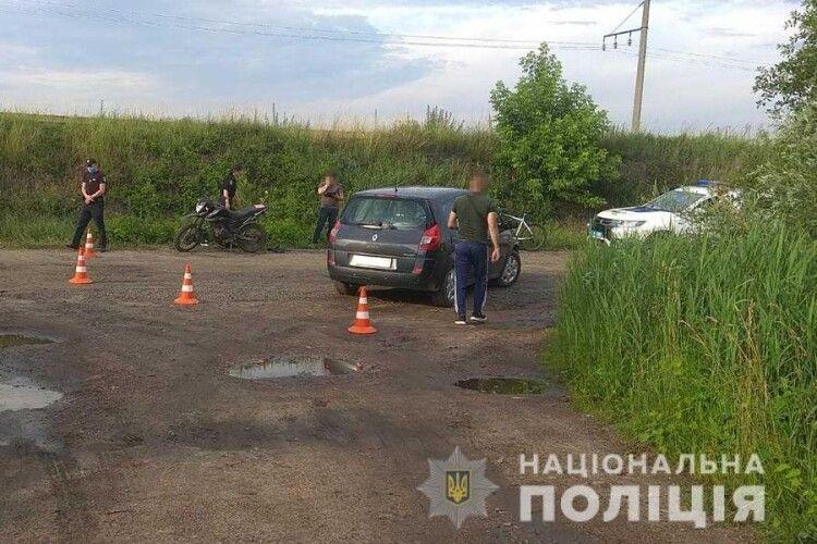 У Ковелі мотоцикл врізався у легковик, а у Луцькому районі мопед зіткнувся з вантажівкою
