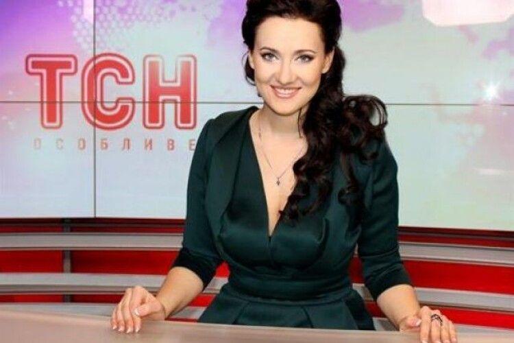 Два освідчення і 9 років шлюбу: популярна українська телеведуча розлучається з чоловіком