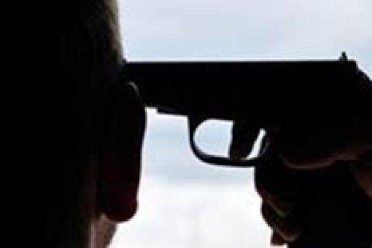 Спроба самогубства: на Ковельщині чоловік вистрілив собі у голову