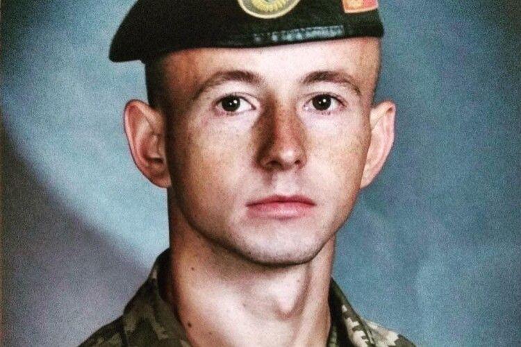 Рожищанина за зразкову службу відзначив командир військової частини