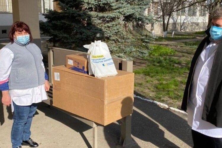 Олексій Гончаренко передав Одеській обласній лікарні реанімаційне обладнання від Фонду Порошенка
