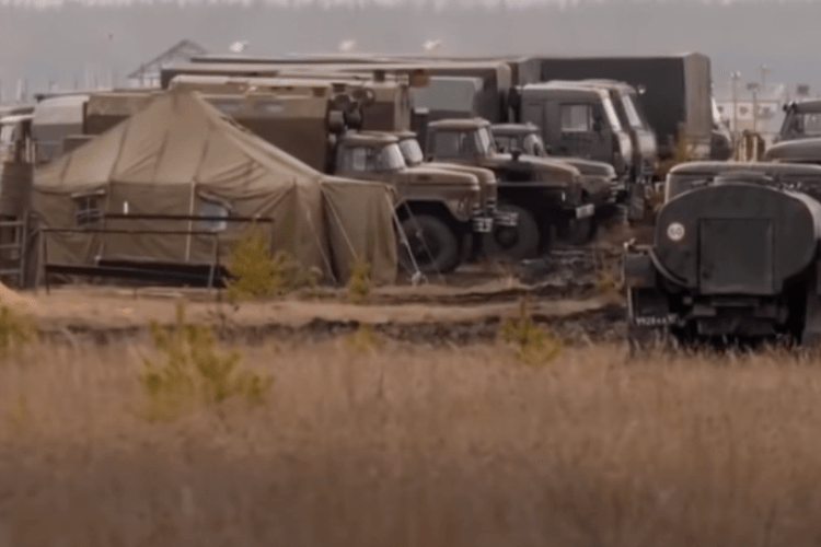 Величезний табір військ РФ на кордоні з Україною показали зсередини (відео)