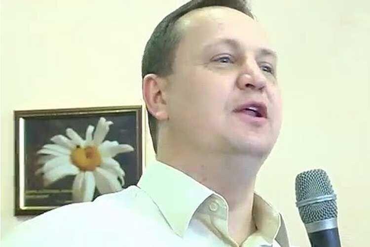 «Фекальний скандал» у Києві — ногами із Зарічного