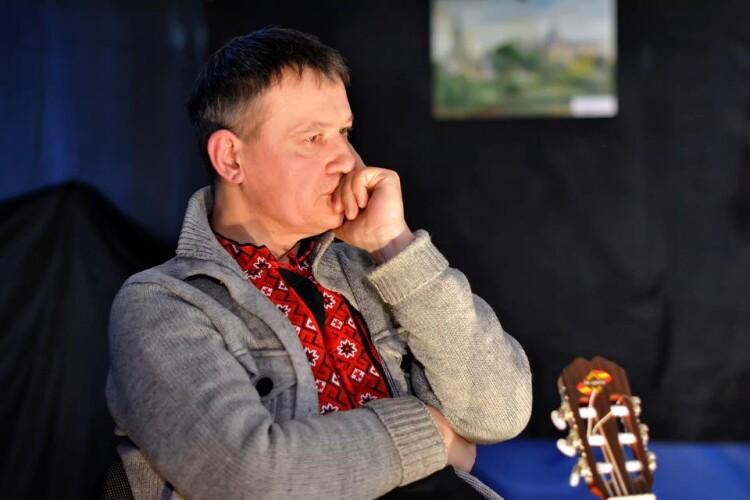 Волинський музикант запрошує на вечірній онлайн-концерт (Відео)