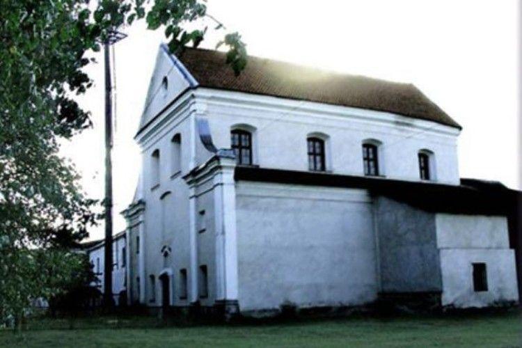 Фундатора костелу поховали у храмі