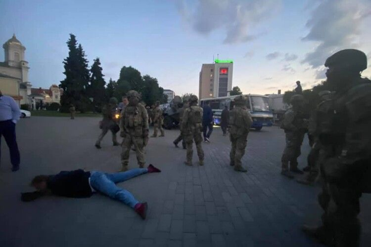 Відпустити заручників терориста вмовив Володимир Зеленський, – Тимошенко
