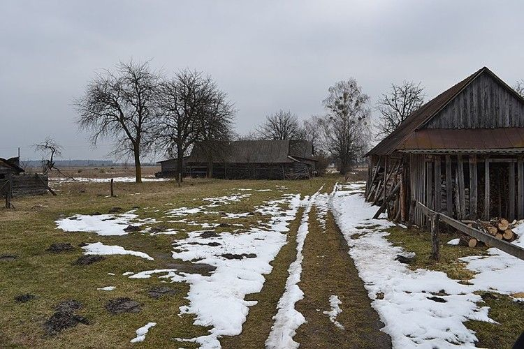 У Полицях ледве не приватизували чужу криницю і дорогу