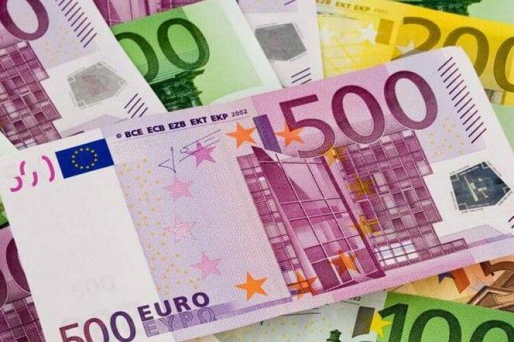 Експеримент в Німеччині: людям роздаватимуть гроші – по 1200 євро щомісяця
