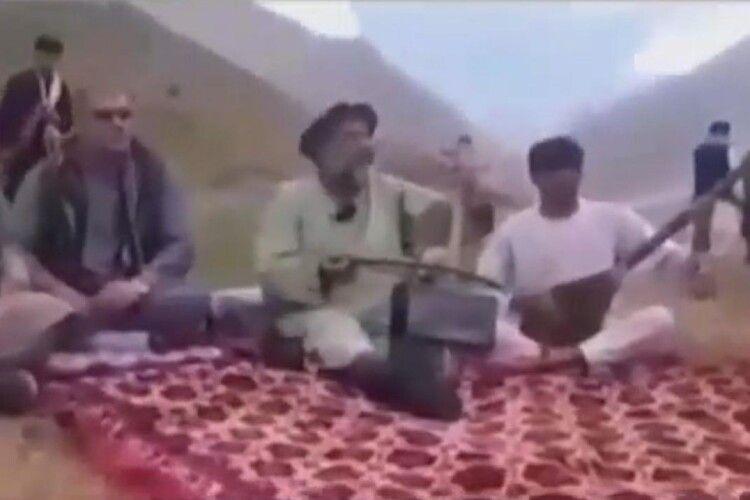 Таліби розстріляли відомого афганського музиканта Фавада Андарабі