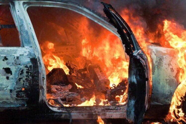 Спалили автомобіль Підгайцівського сільського голови