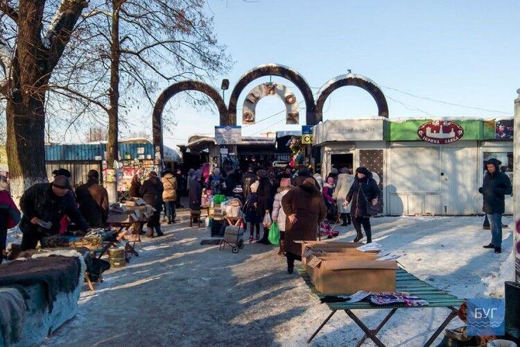 Відомо, як у Нововолинську на свята працюватиме ринок