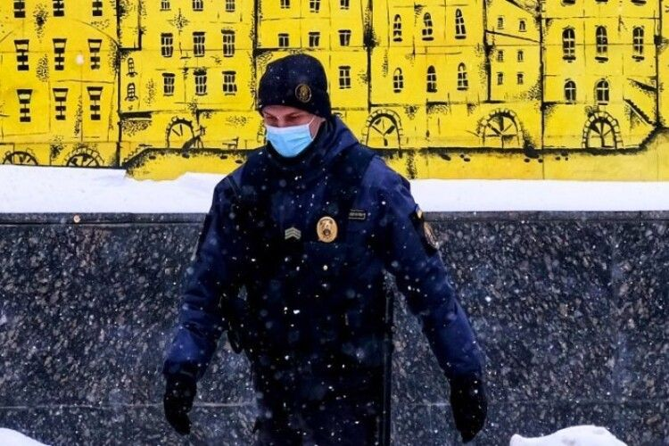 В Україні через коронавірус подовжили режим надзвичайної ситуації