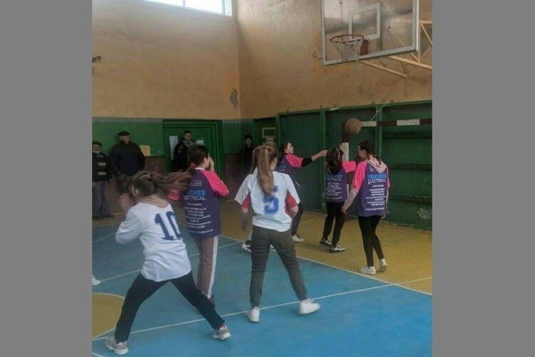 У Турійській громаді стартувала спартакіада з баскетболу серед дівочих команд