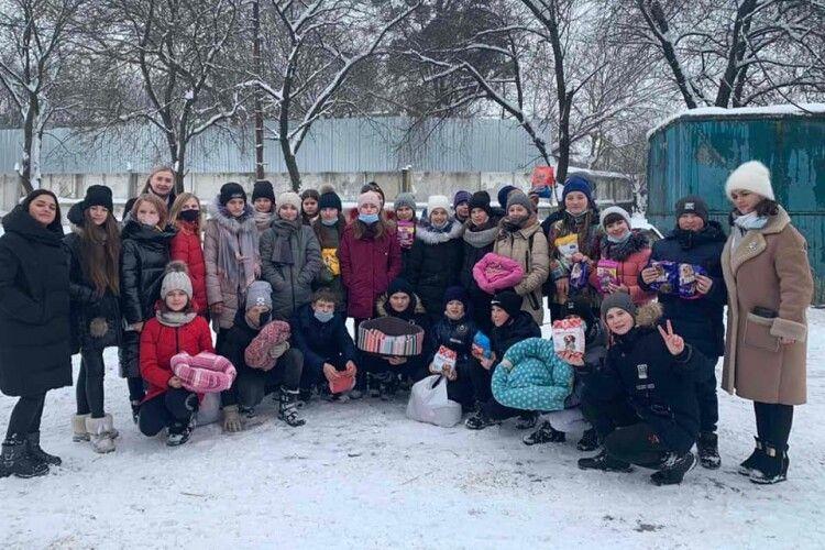 Школярі з Волині та Рівненщини потужно допомогли луцьким Мурчикам та Бровкам (Фото)