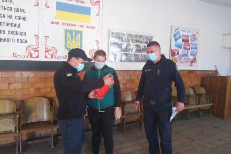 Навіщо волинські рятувальники оглядають виборчі дільниці