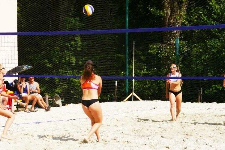 Трускавець потроху стає Меккою пляжного волейболу