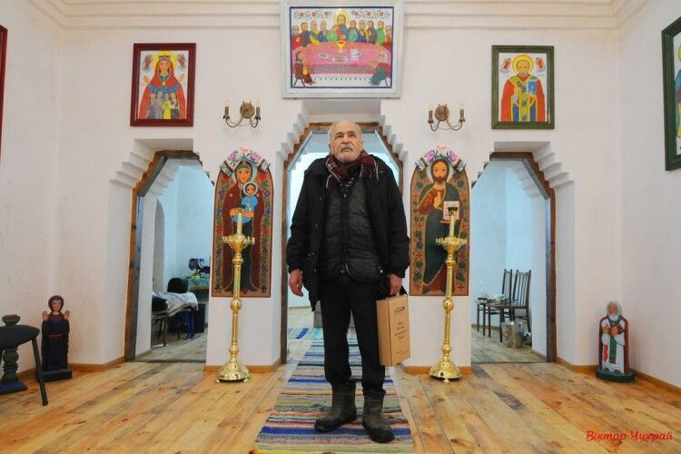 На межі Волині та Львівщини освятили церкву, яку 25 років будував художник (Фото)