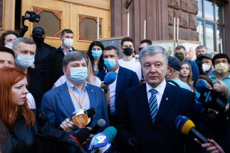 Петро Порошенко: Зеленському варто зателефонувати Януковичу і запитати, чим закінчується політичне переслідування опозиції