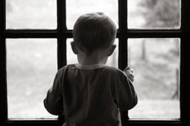 2-річний хлопчик помер від голоду: батькам дали умовний строк