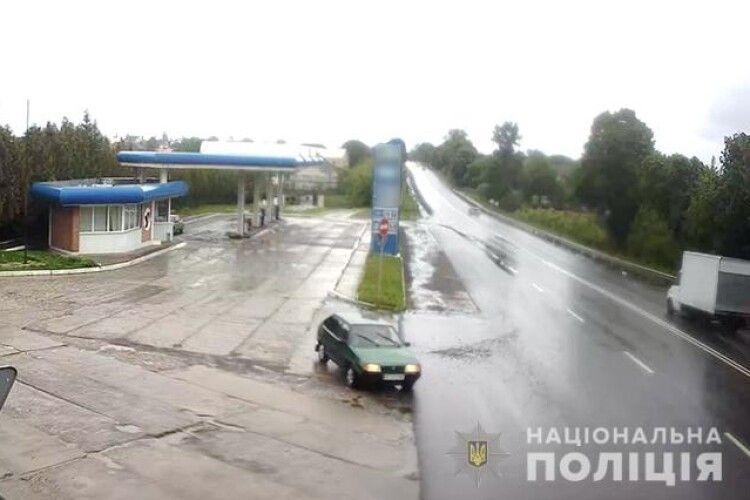 У селі Зміїнець під Луцьком «Audi A6» «поцілувалася» із «Жигулем»: поліція шукає свідків