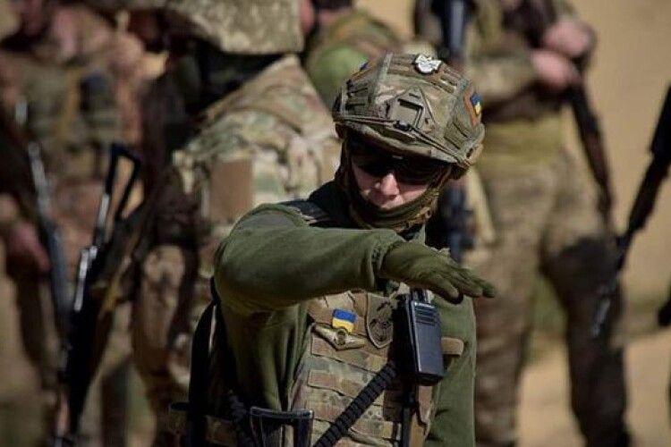Українці відзначають 9 травня День перемоги над нацизмом і нотують свіжу воєнну статистику: біля Мар'їнки били протитанкові гармати