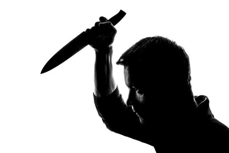 На Рівненщині батько «привітав» сина ножем із Старим Новим роком