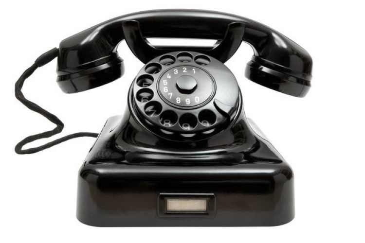 Зеленський вперше провів телефонні переговори з Путіним